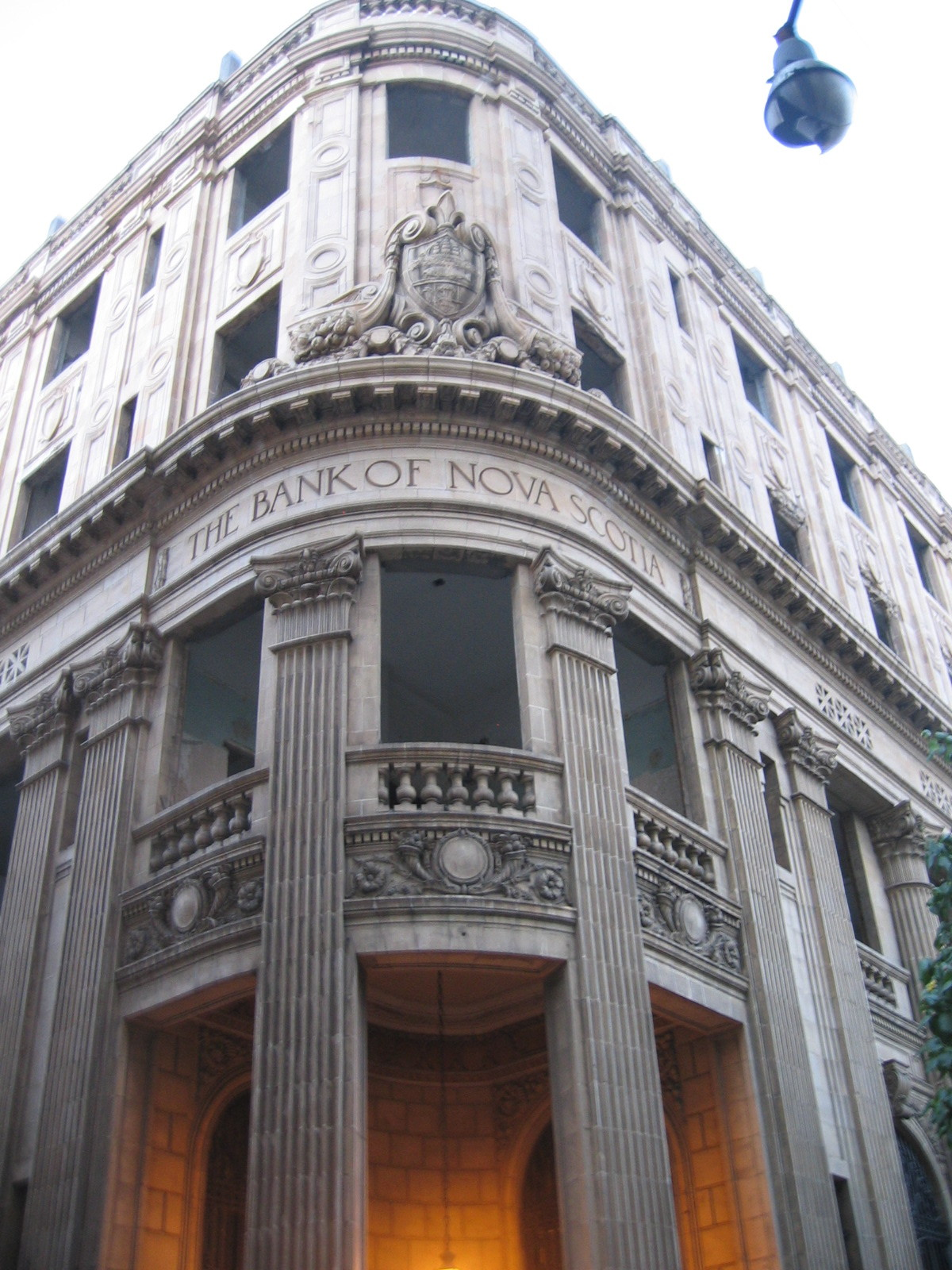 bank of nova scotia In trading on friday, shares of bank of nova scotia halifax (symbol: bns) crossed above their 200 day moving average of $6280, changing hands as.